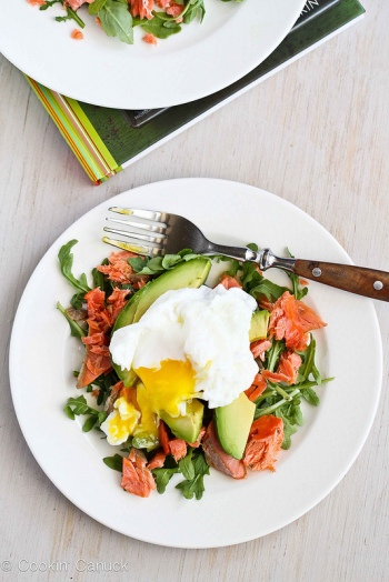 Poached egg with avocado and smoked salmon